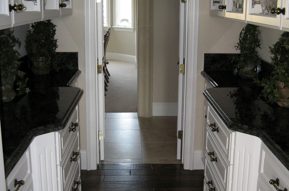 Granite Butler Counters with Ogee Bullnose Edge