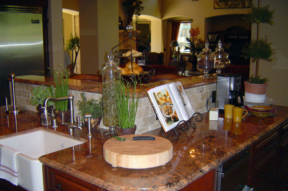 Granite Kitchen with Raised Bar
