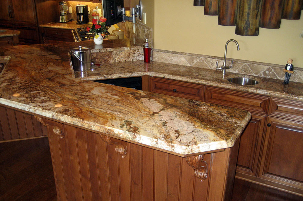 Raised Wetbar with Ogee Eased Granite