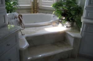 Onyx Tub and Step with Ogee Eased Edge